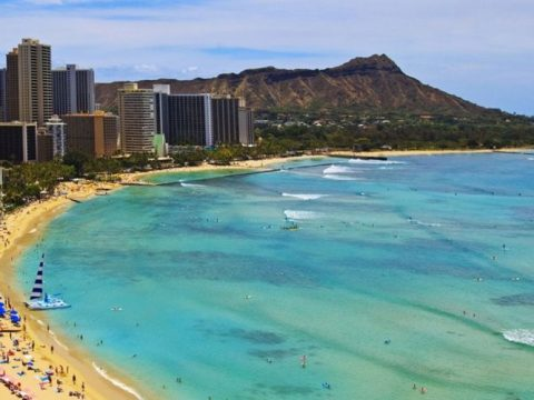 Hawaii Tawarkan Tiket Pesawat Pulang Pergi Gratis bagi Pekerja WFH, Ini Syaratnya