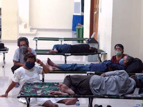 Buru 3 Pelanggar Aturan Karantina Positif COVID-19, Thailand Lacak 200 Orang di Utara
